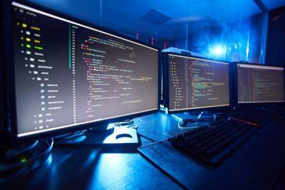 Puesta en marcha de fábrica de software en Colombia con Dialapplet
